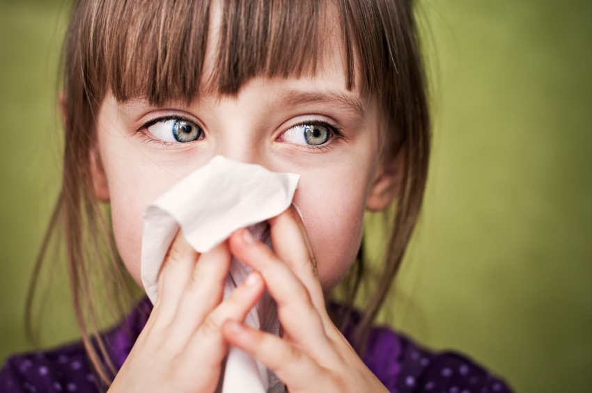 little-girl-sneezing